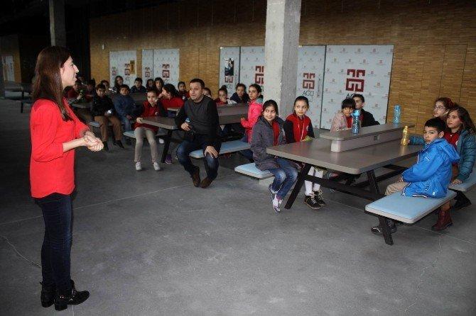 İlkokul Öğrencileri AGÜ'de Origami Öğrendi