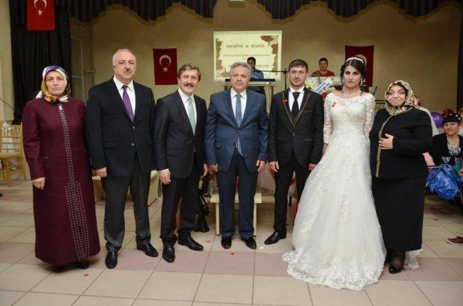 Vali Kahraman, Ahıska Türklerinin düğün heyacanına ortak oldu
