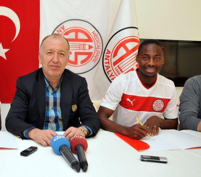 Antalyaspor'dan 8 maç oynayan futbolcuya 1 milyon Euro