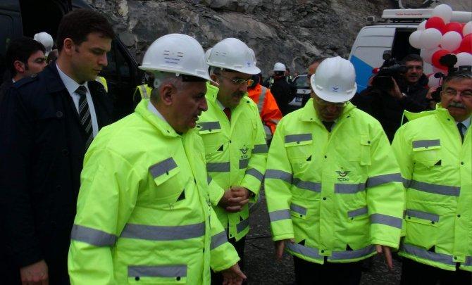 Bakan Yıldırım: YHT projesi Marmaray'dan pahalı