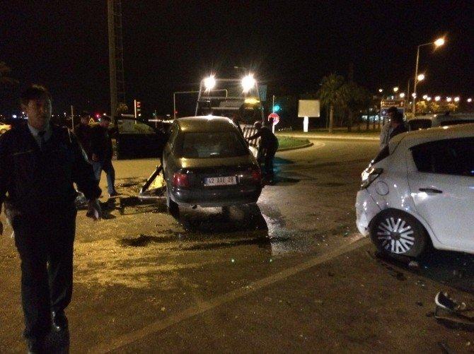 Manavgat'ta Trafik Kazası: 6 Yaralı