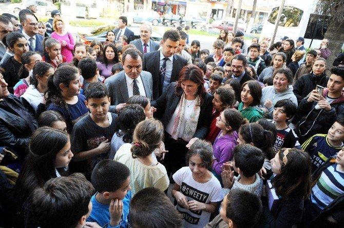 Öğrencilerin Resim Sergisini Başkan Çerçioğlu Açtı