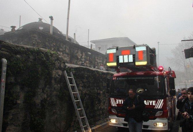 Beyoğlu'ndaki Tarihi Hamamda Korkutan Yangın
