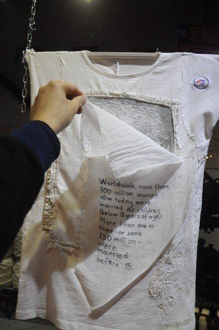 Kadına Şiddet Gömleklerle Anlatıldı