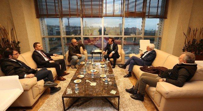 Başkan Genç, Gazeteci Ve Yazarları Ağırladı