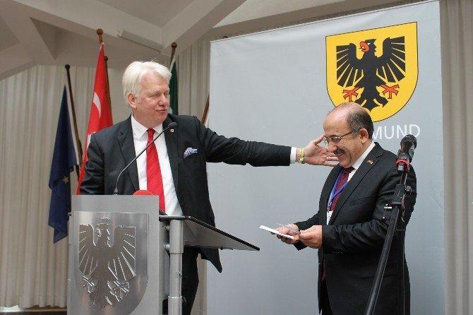 Dortmund Belediye Başkanı Sireau, Trabzon Heyetinin Onuruna Resepsiyon Verdi