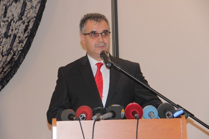 Elazığ'ın Vergi Rekortmenlerine Plaket Verildi