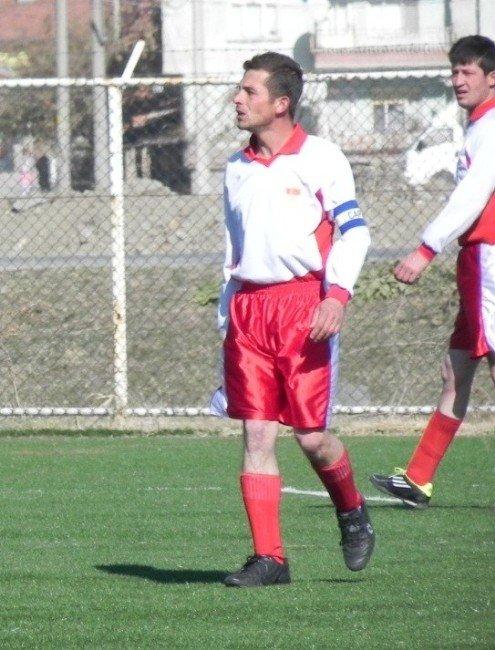 Tecrübeli Futbolcu Emre Kara Ayvalıspor'da
