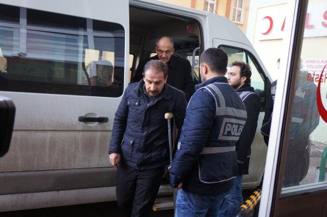 Erzurum'da gözaltına alınan eğitim gönüllüleri adliyeye sevk edildi