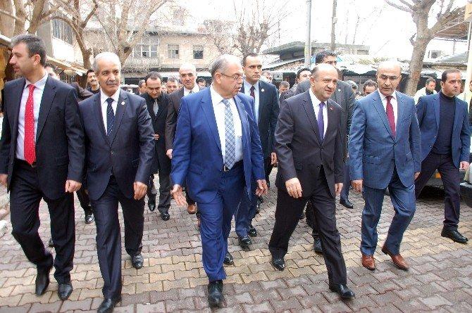 Bakan Işık'tan Teröristin Taziyesine Katılan HDP'li Vekile Tepki