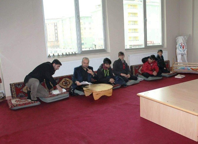 Ağrı Gençlik Merkezi Dini İlimler Atölyesi Açıldı