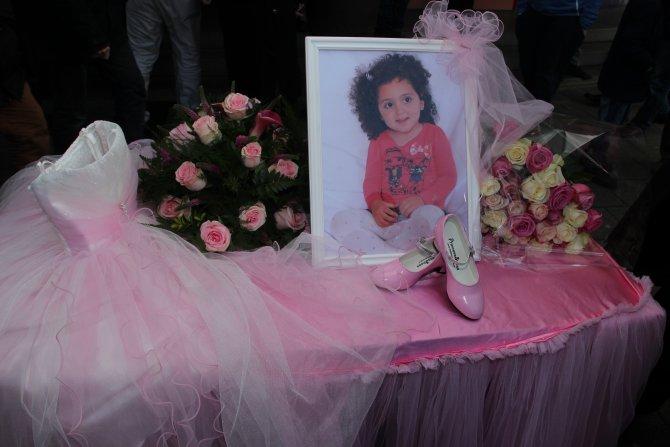 Hayatını kaybeden lösemi hastası küçük Bade için cenaze namazı kılındı