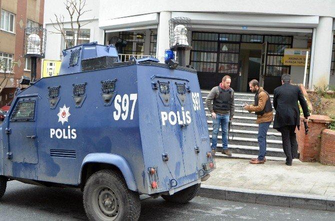 İstanbul'da Güpegündüz Çifte Soygun
