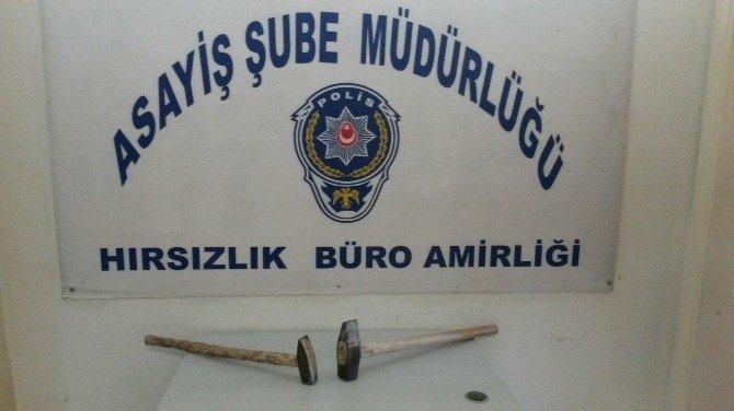 Balyozla Hırsızlık Yapan Şüpheliler Yakalandı