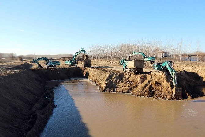 Kanal Edirne Projesi'nde Çalışmalar Tüm Hızıyla Devam Ediyor