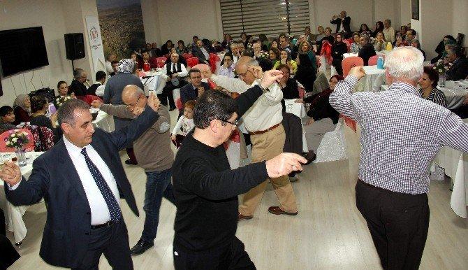 Karahallılar, İstanbul'da Düğün Yemekleri Gecesinde Buluştu