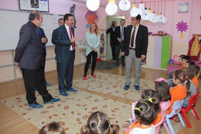 Kaymakam Ve Başkandan Okula Ziyaret