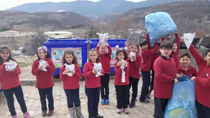 Simav Özel Bahar Ortaokulu geri dönüşüm etkinliği düzenledi