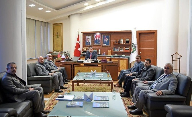 Malatya Yeşilay Cemiyeti, Çakır'ı Ziyaret Etti