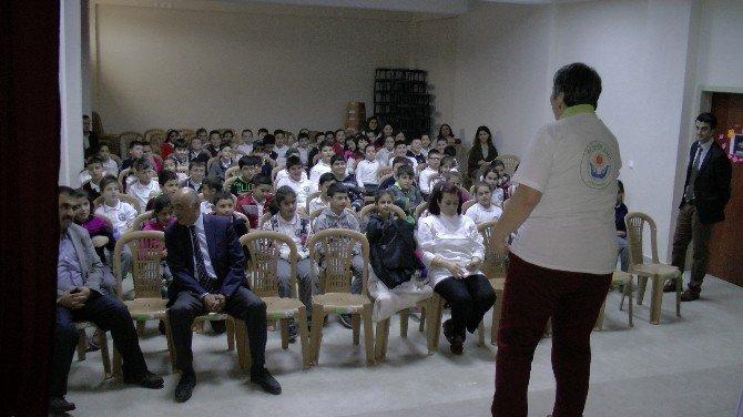 Akçakoca'da Öğrencilere Bi İyilik Yap Aşılanıyor