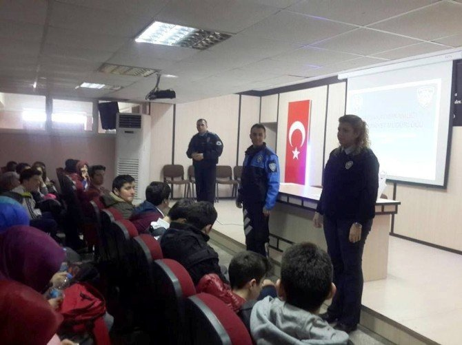 Fatsa'da Polisten Öğrencilere Seminer