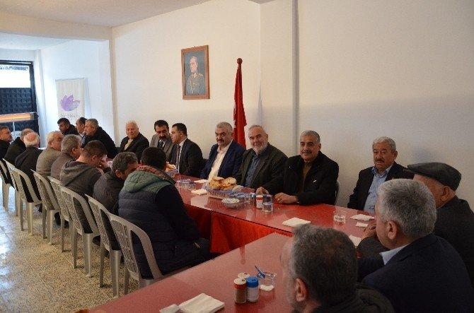 Başkan Aksoy Muhtarlar Ve İşçilerle Bir Araya Geldi