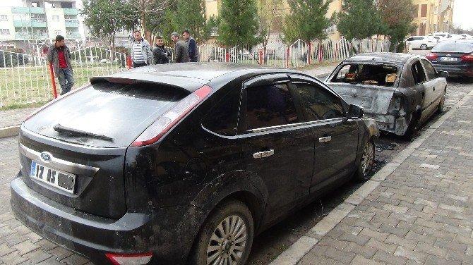 Askeri Personellerin Araçları Kundaklandı