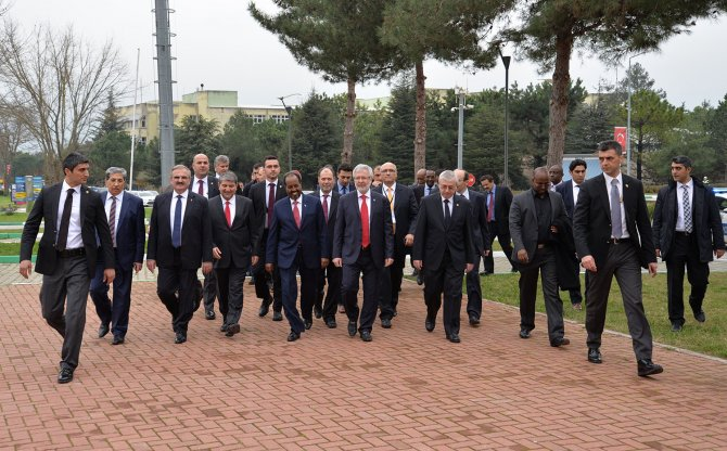 Cumhurbaşkanı Mahmud: Somali'ye herkesten önce Türkler geldi