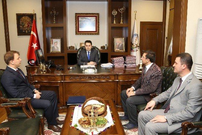 """Başkan Eroğlu: """"İşçisine Borcu Olmayan Bir Belediyeyiz"""""""