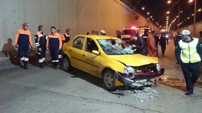 Erzurum'da Trafik Kazası: 2 Yaralı