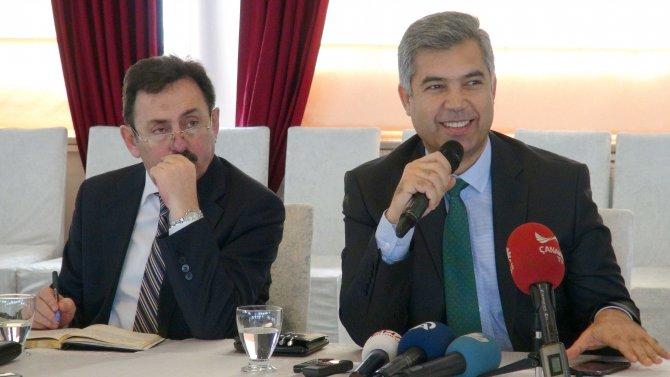 Vali Erkal: NATO ve Yunan gemilerinden bize gönderilmiş mülteci yok