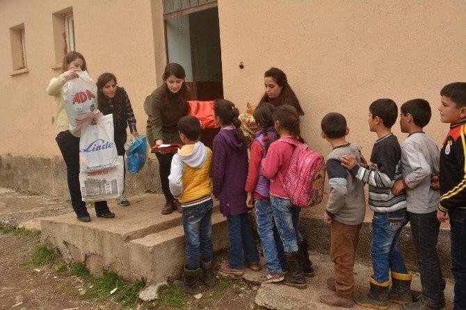 Ankara'dan Sınırdaki Öğrencilere Yardım