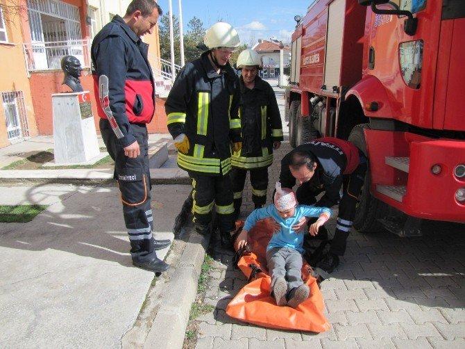 Okulda Deprem Ve Yangın Tahliye Tatbikatı