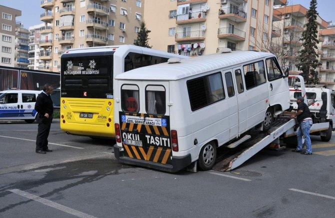 Halk otobüsüyle servis çarpıştı: Beşi öğrenci 6 yaralı