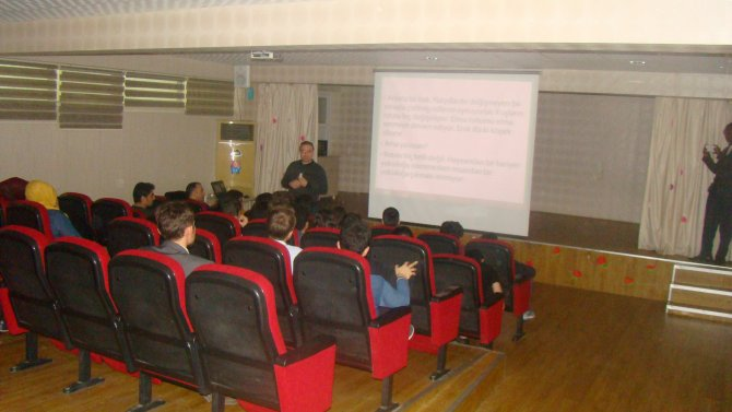 YGS ve LYS öğrencilerine tanıtım ve motivasyon semineri