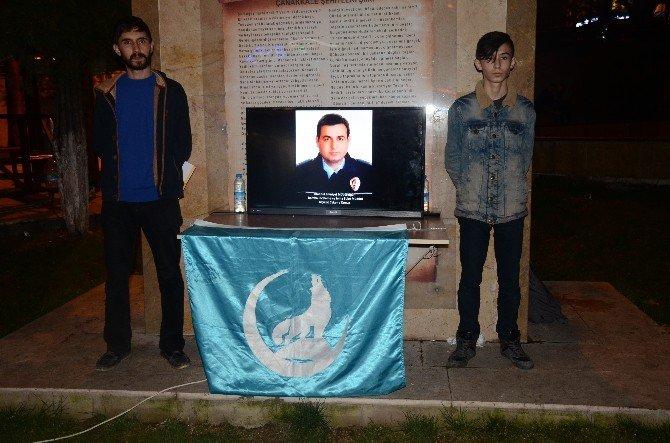 Bilecik Ülkü Ocakları'ndan Şehitlere Saygı Nöbeti