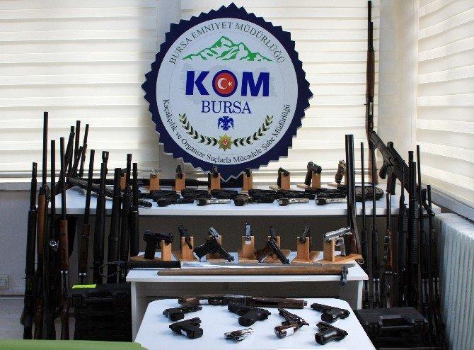 Bursa'da Örgüt Ve Ruhsatsız Silah Operasyonu Sonrası 13 Kişi Hakim Karşısında