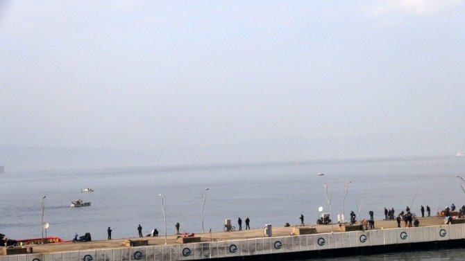 Çanakkale Boğazı sis nedeniyle tek yönlü kapandı