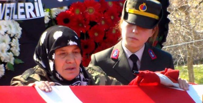 Şehit annesi: Ağlamayın dik durun, Burhan'ım üzülmesin