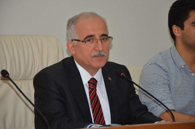 Türk Kızılayı'nın 81 İlden Gelen Genç Üyeleri Vali Tuna İle Buluştu