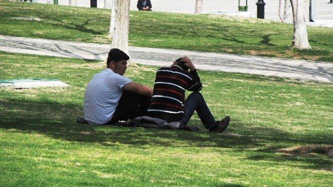 Gaziantep'te Hava Sıcaklığı Yaz Günlerini Aratmadı