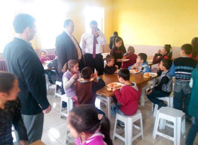 Gediz'de Taşımalı Eğitim Okul Servis Araçları Ve Yemeklerine Denetim
