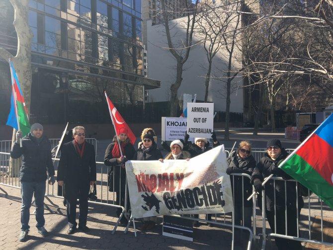 Hocalı katliamı BM önünde protesto edildi