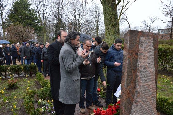 Lahey'de Hocalı Soykırımı Anıtı önünde tören düzenlendi