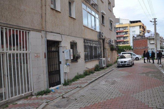 Emekli Astsubay Eski Sevgilisini Apartman Girişinde Öldürdü