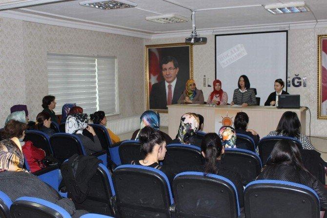 AK Parti Kadın Kolları Hocalı Katliamını Kınadı