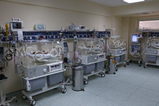 Yeni Doğan Bebeklere Kritik Tarama