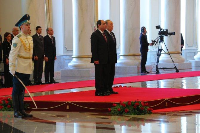 Nazarbayev ile görüşen Sisi'den Avrasya Ekonomik Birliği'ne ilgi