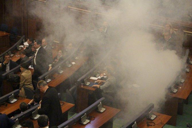 Kosova'da cumhurbaşkanı seçimine biber gazı engeli