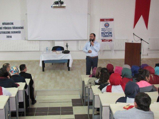 Lise Öğrencilerine 'Namazla Diriliş' Konulu Konferans